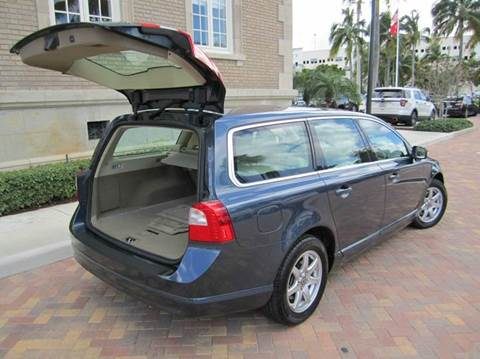 2008 Volvo V70 for sale at FLORIDACARSTOGO in West Palm Beach FL