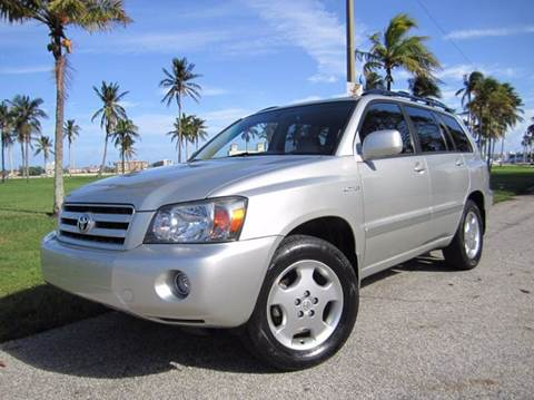 2005 Toyota Highlander for sale at FLORIDACARSTOGO in West Palm Beach FL