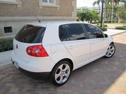 2009 Volkswagen Rabbit for sale at FLORIDACARSTOGO in West Palm Beach FL