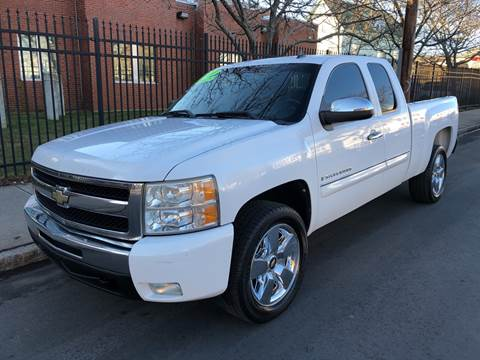 2009 Chevrolet Silverado 1500 for sale at Commercial Street Auto Sales in Lynn MA