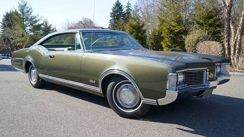 1968 Oldsmobile Delta Eighty-Eight for sale at Fiore Motors, Inc.  dba Fiore Motor Classics in Old Bethpage NY