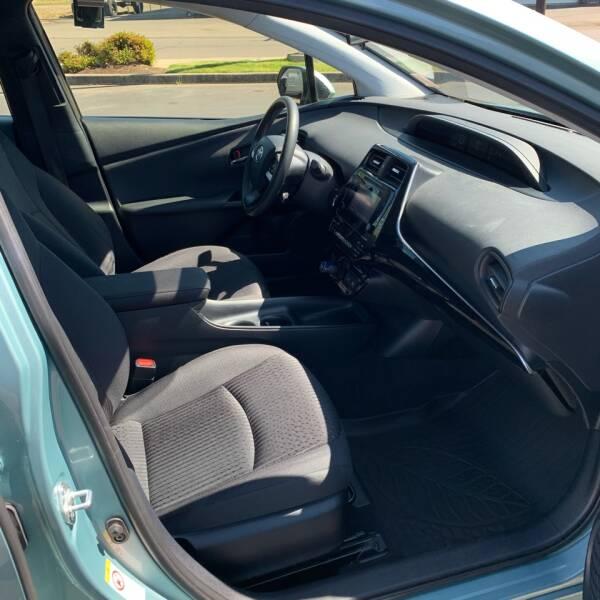 2016 Toyota Prius Two 4dr Hatchback - Roseburg OR