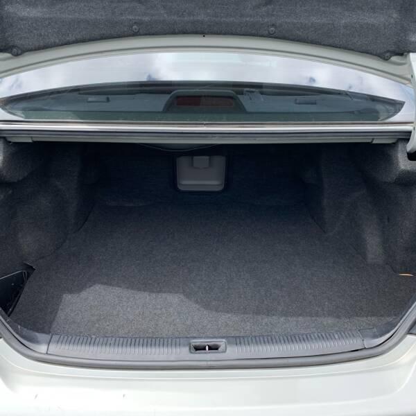 2001 Toyota Avalon XLS 4dr Sedan w/Bucket Seats - Roseburg OR