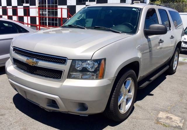 2007 Chevrolet Suburban for sale at BaySide Auto in Wilmington CA