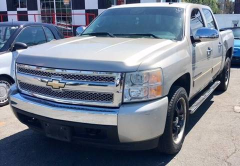 2007 Chevrolet Silverado 1500 for sale at BaySide Auto in Wilmington CA