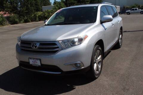 2011 Toyota Highlander for sale at S&S Best Auto Sales LLC in Auburn WA