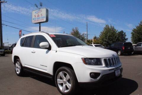 2016 Jeep Compass for sale at S&S Best Auto Sales LLC in Auburn WA