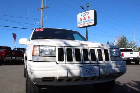 1998 Jeep Grand Cherokee for sale at S&S Best Auto Sales LLC in Auburn WA