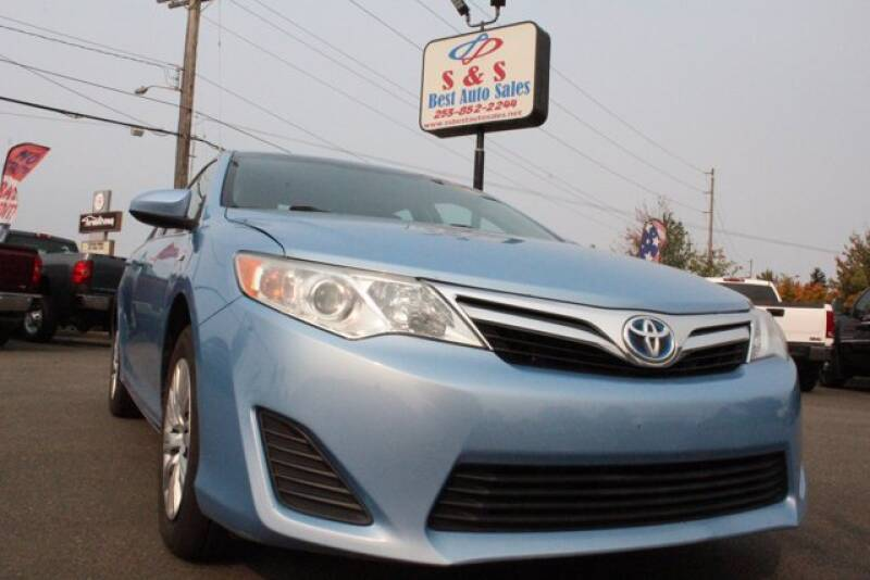 2014 Toyota Camry Hybrid for sale at S&S Best Auto Sales LLC in Auburn WA