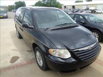 2006 Chrysler Town and Country for sale in Marion, IA