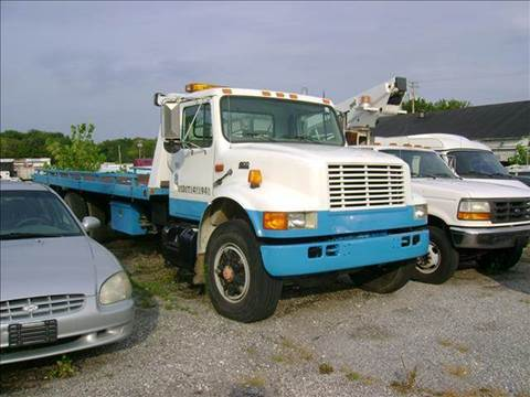 1995 International TOW TRUCK for sale in Baltimore, MD