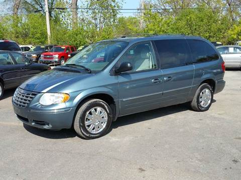 2006 Chrysler Town and Country for sale in Villa Park, IL
