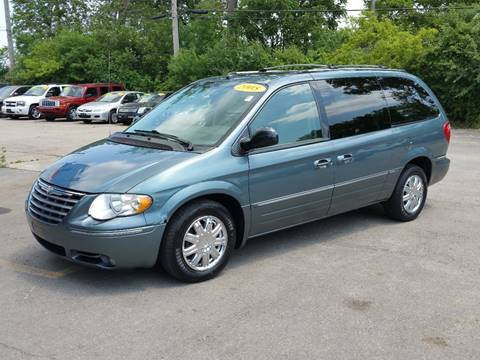 2005 Chrysler Town and Country for sale in Villa Park, IL