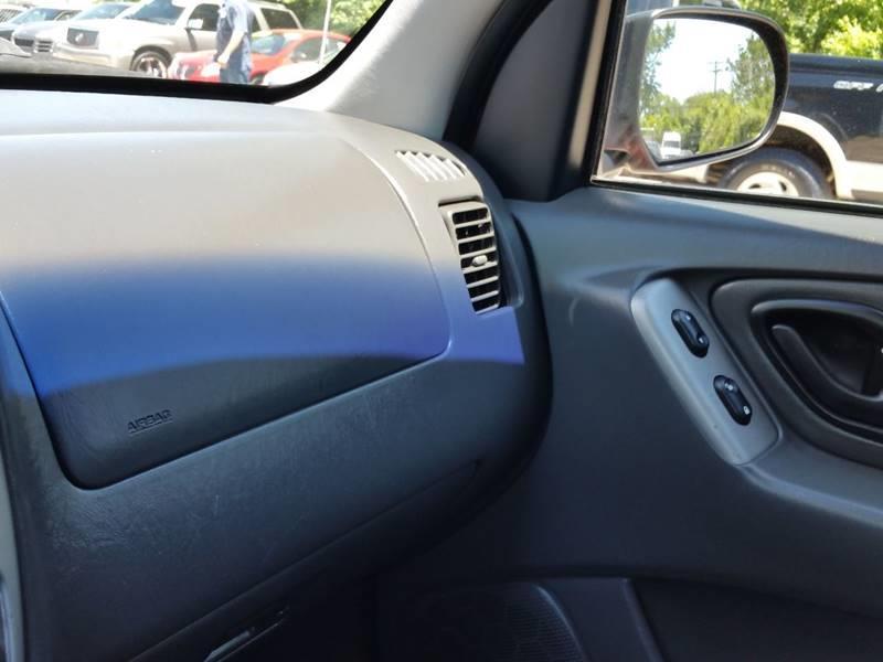 2004 Ford Escape XLT 4WD 4dr SUV - Villa Park IL