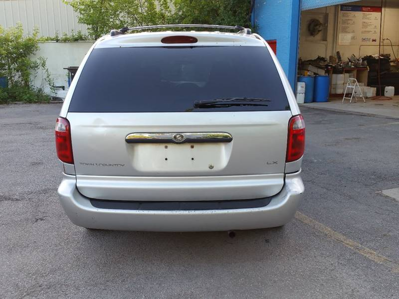 2002 Chrysler Town and Country LX 4dr Extended Mini-Van - Villa Park IL