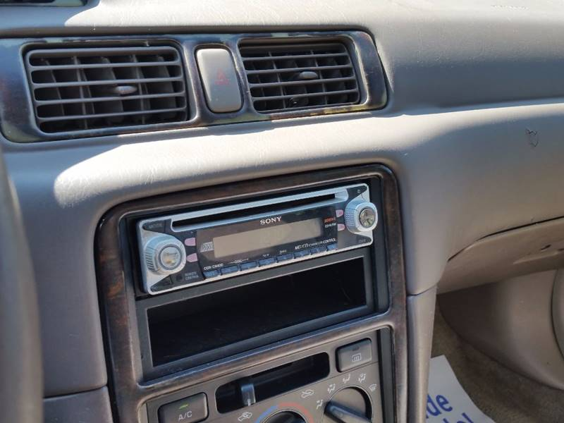 1997 Toyota Camry LE 4dr Sedan - Villa Park IL