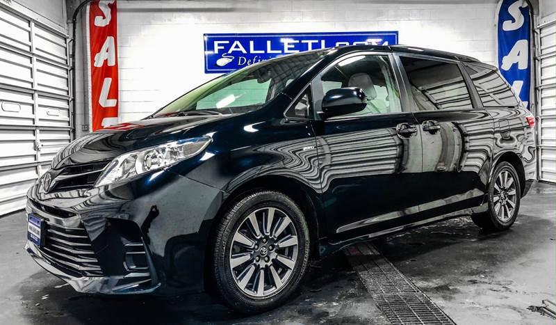 2018 Toyota Sienna LE 7-Passenger (image 1)