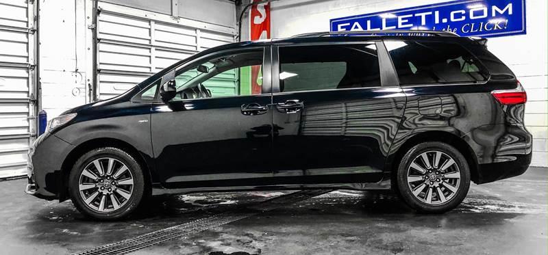 2018 Toyota Sienna LE 7-Passenger (image 2)