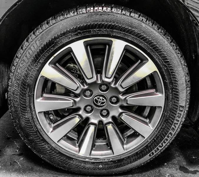 2018 Toyota Sienna LE 7-Passenger (image 11)