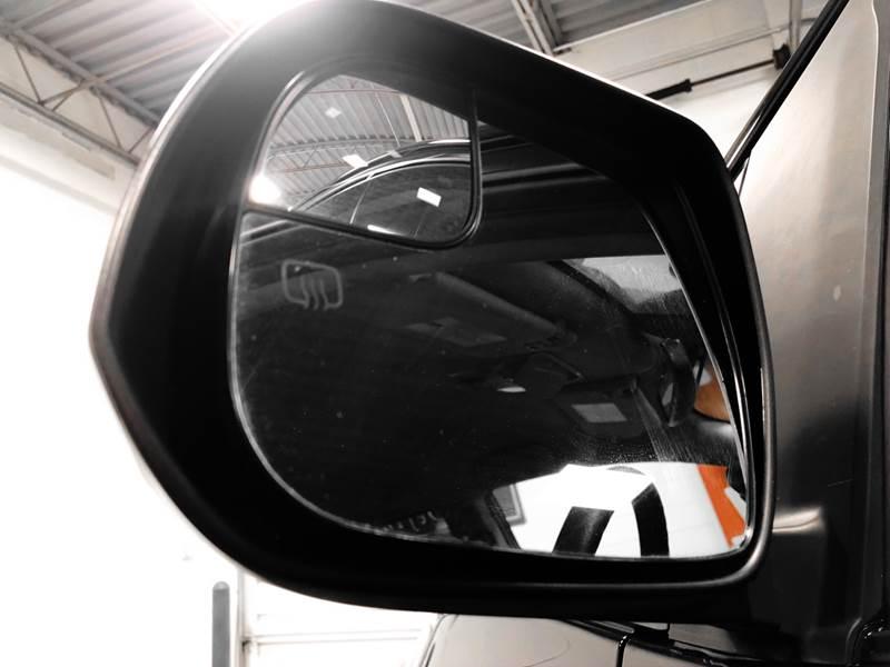 2018 Toyota Sienna LE 7-Passenger (image 28)