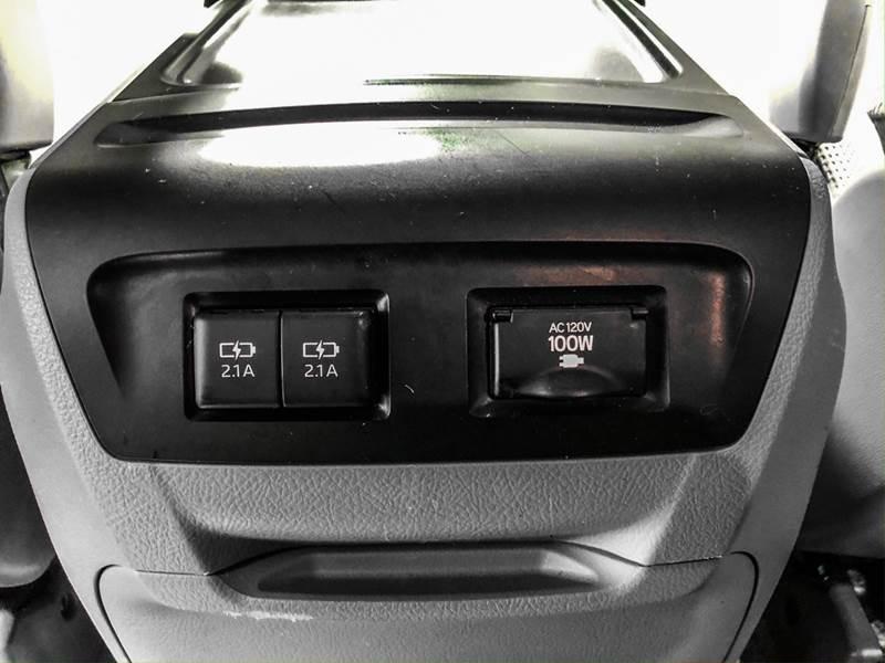 2018 Toyota Sienna LE 7-Passenger (image 31)