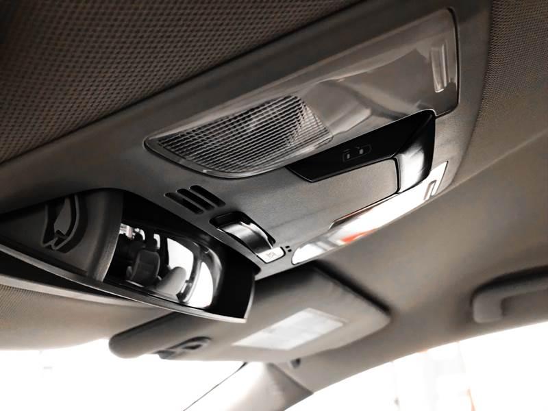 2018 Toyota Sienna LE 7-Passenger (image 36)