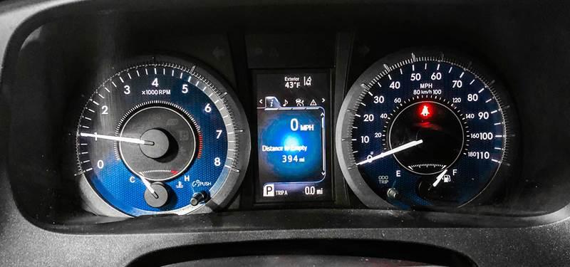2018 Toyota Sienna LE 7-Passenger (image 38)