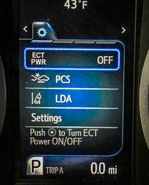 2018 Toyota Sienna LE 7-Passenger (image 42)