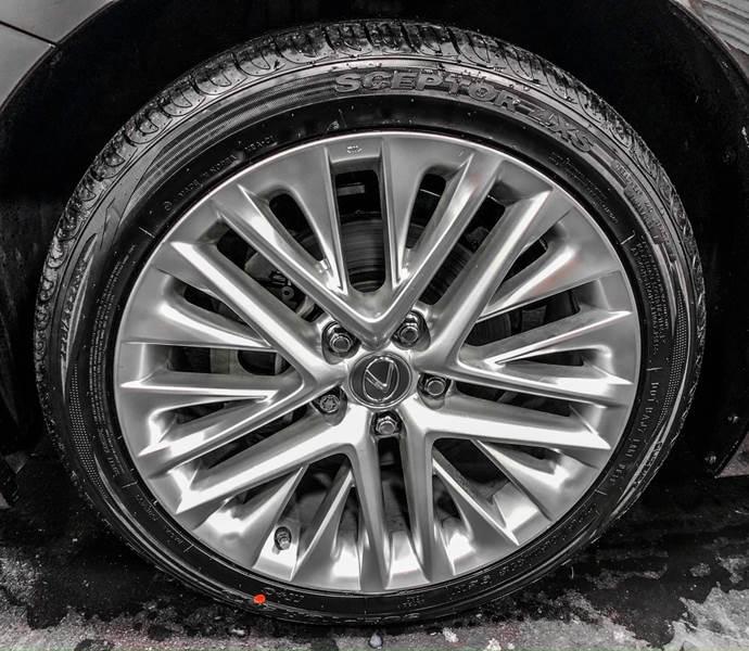 2013 Lexus ES 350 (image 13)