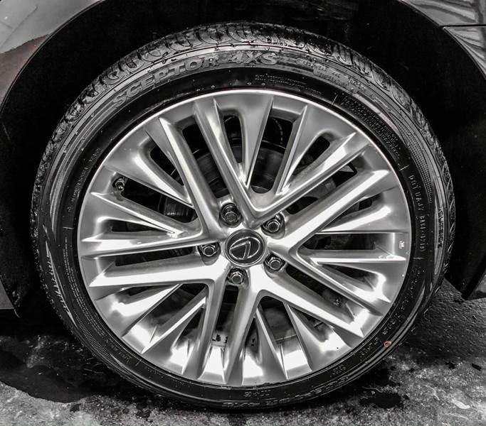 2013 Lexus ES 350 (image 14)