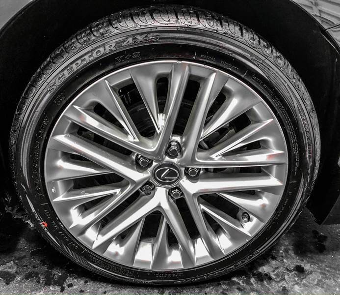 2013 Lexus ES 350 (image 16)