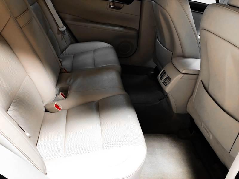 2013 Lexus ES 350 (image 21)