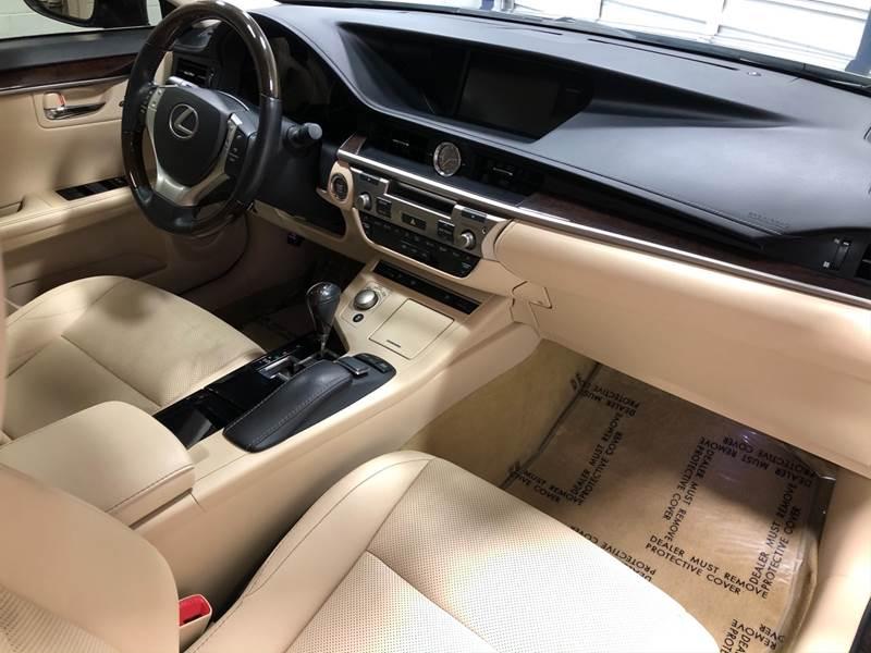 2013 Lexus ES 350 (image 23)
