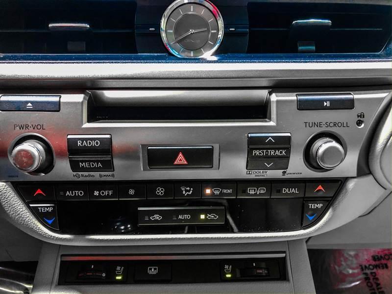 2013 Lexus ES 350 (image 28)