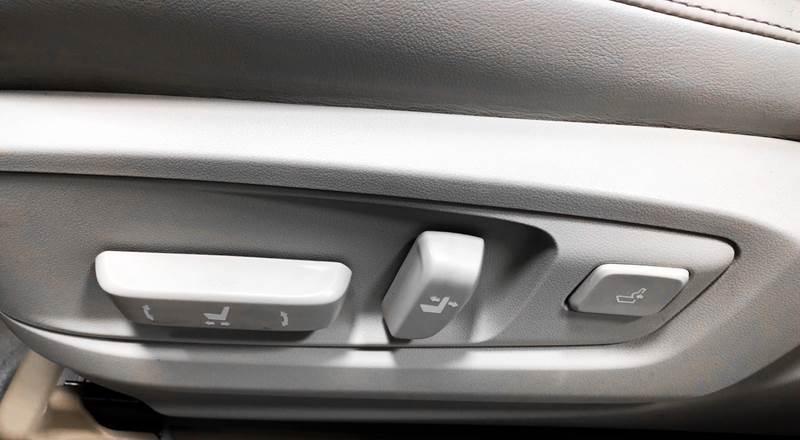 2013 Lexus ES 350 (image 42)