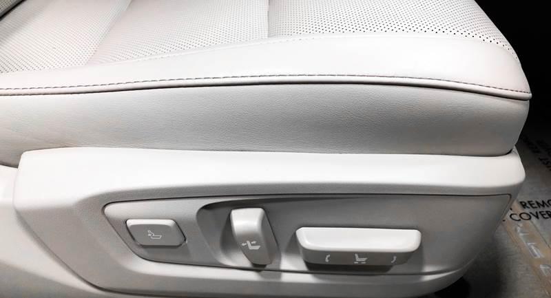 2013 Lexus ES 350 (image 44)
