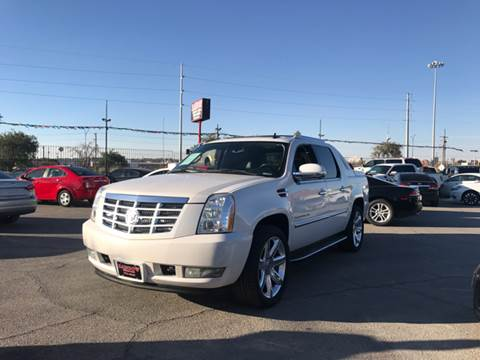 2008 Cadillac Escalade EXT for sale at Rainbow Motors in El Paso TX