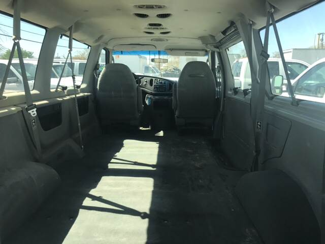 2003 Ford E-Series Wagon for sale at Rainbow Motors in El Paso TX