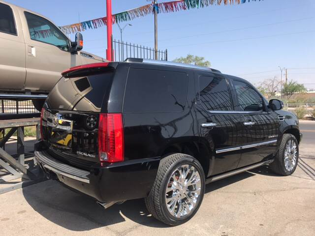 2008 Cadillac Escalade for sale at Rainbow Motors in El Paso TX