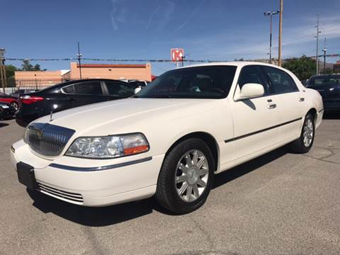 2007 Lincoln Town Car for sale at Rainbow Motors in El Paso TX