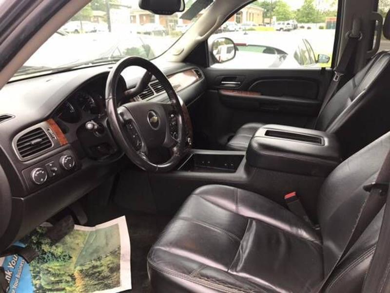 2007 Chevrolet Suburban for sale at Premier Auto Sales Inc in New Windsor NY