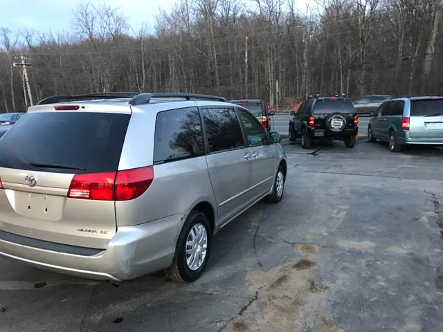 2004 Toyota Sienna for sale at Premier Auto Sales Inc in New Windsor NY