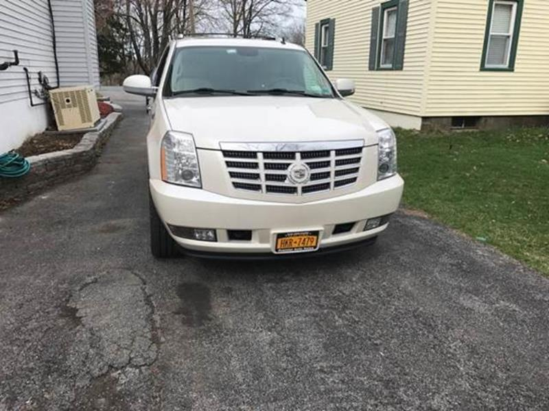 2010 Cadillac Escalade for sale at Premier Auto Sales Inc in New Windsor NY