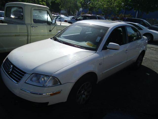 2003 VOLKSWAGEN PASSAT GLS white abs brakesair conditioningalloy wheelsamfm radioanti-brake
