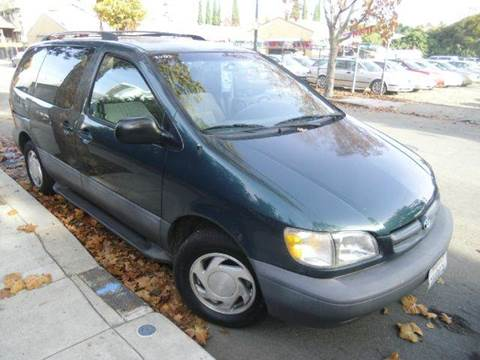 1998 Toyota Sienna for sale at Crow`s Auto Sales in San Jose CA