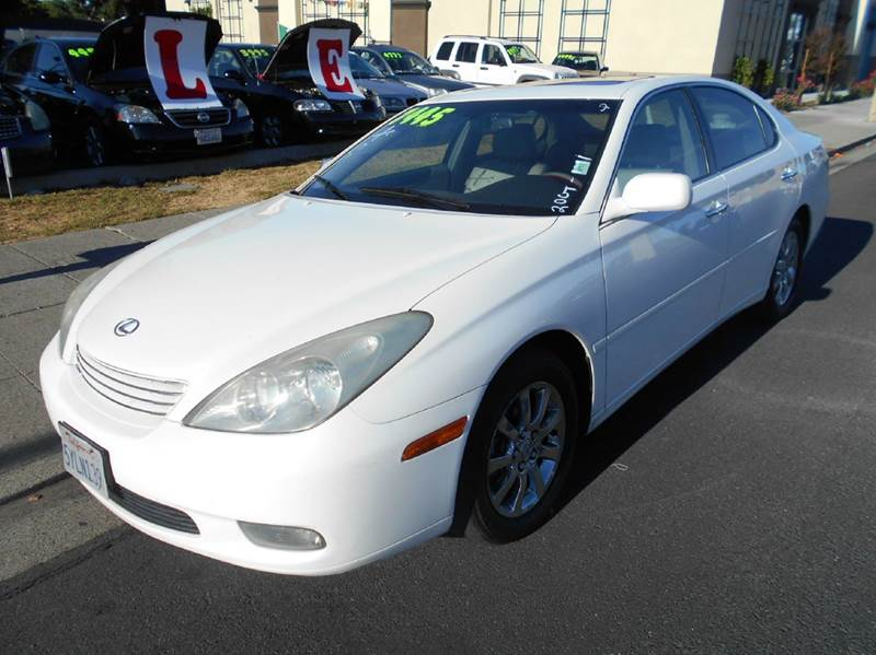 2004 LEXUS ES 330 BASE 4DR SEDAN white abs - 4-wheel anti-theft system - alarm cassette center