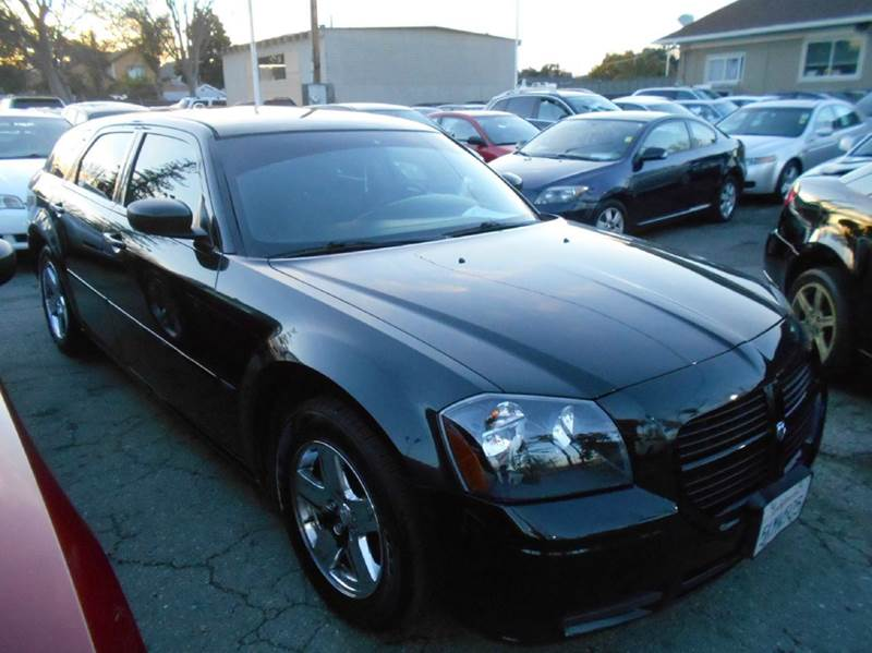 2005 DODGE MAGNUM SXT 4DR WAGON black abs - 4-wheel axle ratio - 390 center console - front co