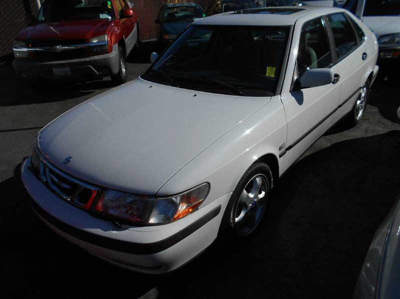 2001 SAAB 9-3 BASE 4DR TURBO HATCHBACK white abs - 4-wheel antenna type - power anti-theft syst