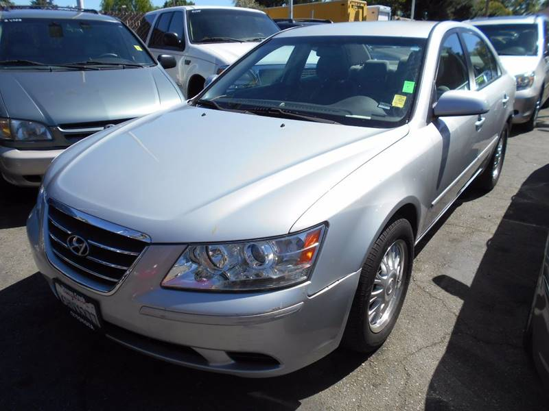 2010 HYUNDAI SONATA GLS 4DR SEDAN silver body side moldings - body-color door handle color - bod