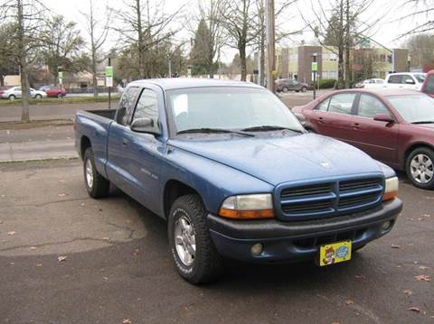 2002 Dodge Dakota for sale at D & M Auto Sales in Corvallis OR